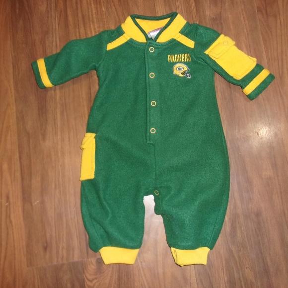 1be2ce8968b NFL Green Bay Packers Baby Romper. M 5b7909719539f7d7ce2cc10e